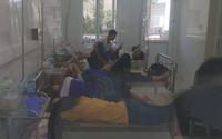 Hàng trăm học viên đau bụng nhập viện sau bữa ăn trưa, bệnh viện quá tải phải điều bác sĩ về trung tâm khám