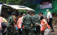 4 cầu thủ đầu tiên thoát khỏi hang Thái Lan sẽ gặp người thân tối nay, nhưng không được ôm ấp