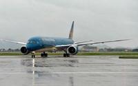 Nhiều hãng hàng không hủy, điều chỉnh chuyến bay do ảnh hưởng của bão Sơn Tinh