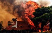 Cảnh tượng cháy rừng như ngày tận thế ở Hy Lạp