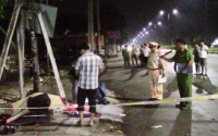 Ô tô húc văng xe máy trong đêm, 2 thanh niên tử vong