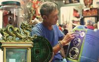 Gia tài bạc tỷ từ phế thải của ông lão nhặt rác Sài Gòn: 'Có người trả 50 triệu đồng cho một chiếc quạt tự chế' Kinh hoàng với 'siêu phẩm' ở bẩn của 2 cô gái xinh đẹp, gầm giường không khác gì bãi rác thành phố
