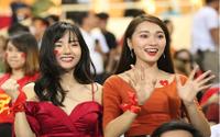 Bạn gái tiền vệ Phan Văn Đức bất ngờ nổi tiếng chỉ sau một đêm