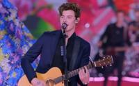 Ngắm 'nam thần' Shawn Mendes mòn mắt, thêm dàn Victoria's Secret phụ hoạ: con dân sao chịu thấu?