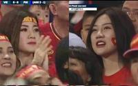 Những cổ động viên xinh đẹp 'chiếm sóng' trận bán kết lượt về Việt Nam gặp Philippines