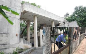Bảo vệ ngôi nhà 300 Kim Mã bỏ hoang suốt 27 năm: 'Làm gì có ma, mấy ngày nay tôi đuổi được mấy đối tượng nghiện ngập'