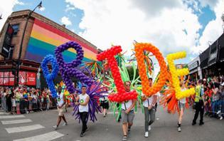 Bang ở Mỹ yêu cầu các trường công dạy lịch sử LGBT