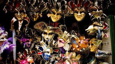 Masquerade Ball - Dạ tiệc hóa trang kiểu 'quẩy' hết mình của giới thượng lưu