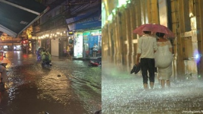 Hà Nội mưa lớn, đường phố ngập sâu, xe chết máy hàng loạt