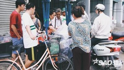 Xe xôi gần nửa thế kỷ của đôi vợ chồng già ở Sài Gòn