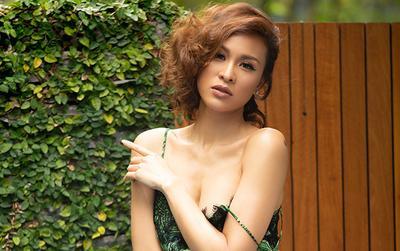 Siêu mẫu Vàng Phương Mai lả lơi váy áo trong khu vườn chiều