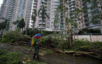 Hong Kong, Trung Quốc tan hoang do Mangkhut, bắt đầu khắc phục sau bão