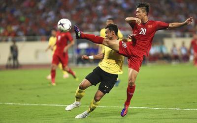 Không chỉ Việt Nam, người hâm mộ bóng đá tại Malaysia cũng phải trầy trật mới mua được vé bán online