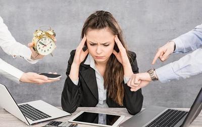 Nỗi khổ thầm kín của dân văn phòng khi làm việc teamwork