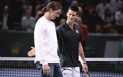 Học đòi kỹ thuật xử lý bóng của Ibrahimovic, Novak Djokovic nhận cái kết đắng