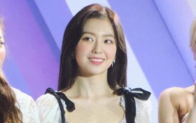 Irene (Red Velvet) gây náo động netizen với visual không ai sánh bằng tại AAA 2019