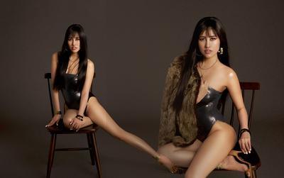 Emily Hồng Nhung úp mở cơ thể khi mix bodysuit và áo lông cực kỳ sang chảnh