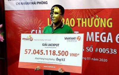 Tài xế GrabBike trúng Jackpot hơn 57 tỷ dành tiền làm từ thiện, vẫn đi chạy xe ôm