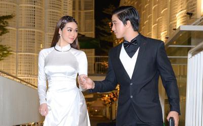 Khánh My nền nã với áo dài trắng, lần đầu sánh bước 'tình tứ' cùng Tiến Vũ, biểu cảm 'ngọt lịm tim'