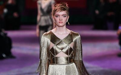 Couture Dior Xuân, Hè 2020 - khi những nữ thần vàng vút bay trên sàn runway