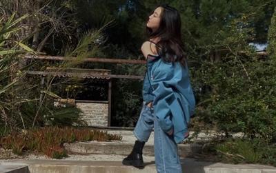 Con gái Vương Phi - Lý Yên tự tin khoe phong cách trưởng thành, gợi cảm khi chỉ mới 13 tuổi