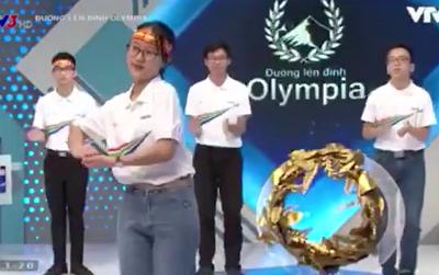 Thí sinh 'Đường lên đỉnh Olympia' gây ấn tượng với điệu nhảy 'Ghen Cô Vy' truyền tải thông điệp đến cộng đồng