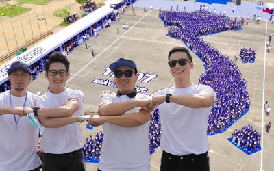 MC Quyền Linh, đạo diễn Charlie Nguyễn đồng hành cùng 2000 bạn trẻ xác lập kỷ lục châu Á