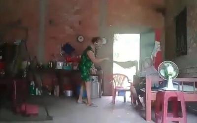 Kết quả điều tra ban đầu vụ cụ bà bị con cái đánh đập, đổ chất bẩn lên đầu