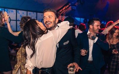 Vợ chồng David Beckham nhiễm Covid-19 vì ham tiệc tùng?