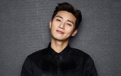 Park Seo Joon trả lời với báo chí lý do bản thân luôn thu hút người xem khi anh đảm nhận vai chính trong phim