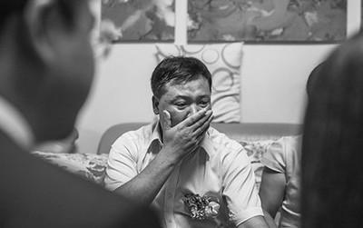 Cựu nữ sinh 'trường NEU' về thăm nhà, rơi nước mắt khi nhìn thấy nồi cơm đã mốc và câu chuyện phía sau