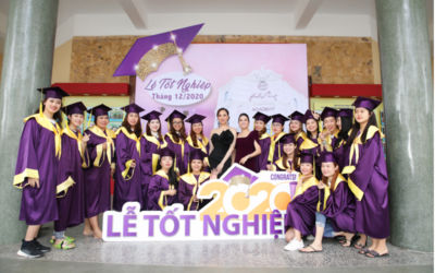 Đinh Ngọc Diệp bất ngờ trước lễ tốt nghiệp Kelly Pang Nail