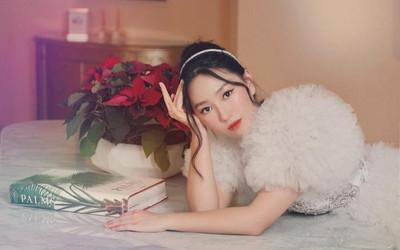 Nàng thơ Hoàng Lam gây 'sốt' với nét hiện đại cùng vẻ đẹp truyền thống