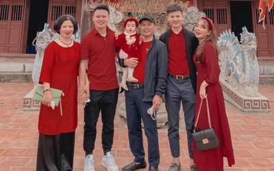 Dàn cầu thủ Việt khoe ảnh đón Tết ấm áp bên gia đình trong ngày đầu năm mới