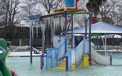 Hình ảnh vạn vật ở Texas đóng băng trong tiết trời rét kỷ lục