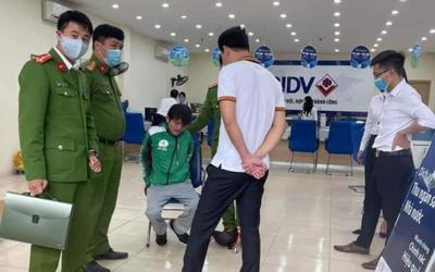 Hà Nội: Bắt giữ đối tượng mặc đồng phục xe ôm công nghệ xông vào cướp ngân hàng BIDV giữa trưa