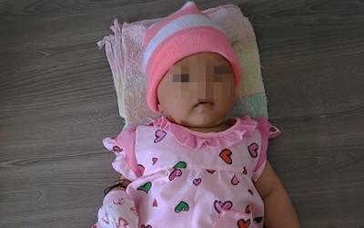 Bé gái khoảng 3 tháng tuổi bị bỏ rơi trước cửa nhà dân lúc giữa đêm