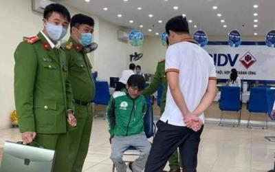 Khởi tố bắt tạm giam đối tượng mặc đồng phục xe ôm công nghệ mang 'súng và mìn' cướp ngân hàng BIDV
