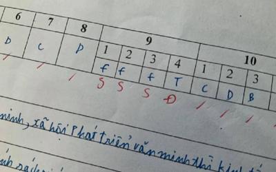 Ngỡ đạt điểm cao nhưng lại bị giáo viên nặng tay trừ điểm, nam sinh tá hỏa khi biết được lí do