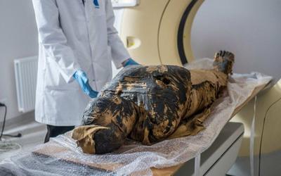 Phát hiện xác ướp Ai Cập mang thai đầu tiên trên thế giới