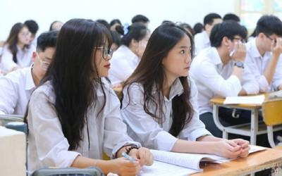Dịch COVID-19 diễn biến phức tạp, nhiều trường đại học cho sinh viên nghỉ sau lễ