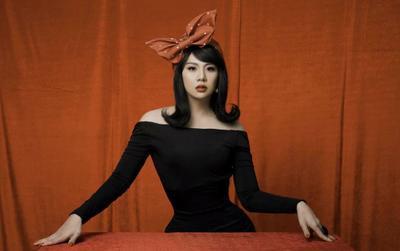 Duy Khánh tung clip hậu trường đáp trả khi bị tố photoshop vòng eo quá đà trong bộ ảnh giả gái