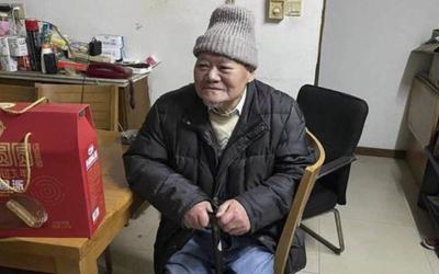 Cụ ông 88 tuổi viết di chúc để lại chục tỷ cho người bán hoa quả xa lạ, phản ứng của người thân gây sốc