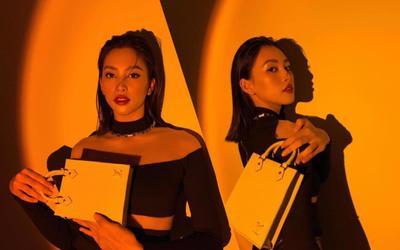 Hoa hậu Tiểu Vy đẹp mơ màng trong loạt ảnh tự chụp, chiếc túi hàng hiệu là điểm nhấn