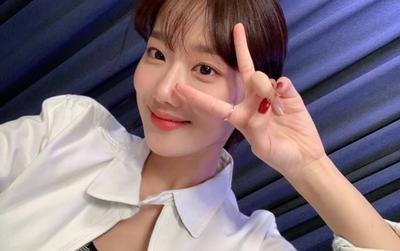 Netizen khó hiểu khi Naeun lên tiếng về scandal bắt nạt Huynjoo nhưng lại nói sẽ yêu thương bản thân hơn