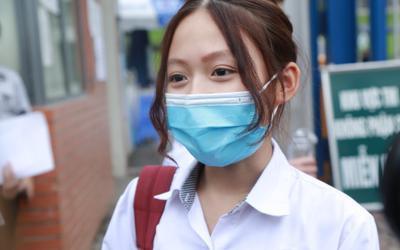 Học sinh Hà Nội hoàn thành ngày thi vào lớp 10 đầu tiên: 'Đề thi vừa sức với hầu hết các bạn'