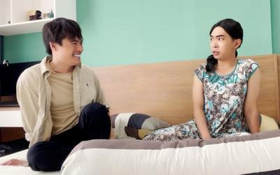 Bà Bảy Súc 'xem hàng khủng' giải trí trong lúc mang bầu để đẻ con trai