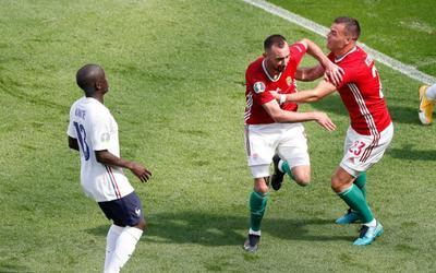 Pháp bị đội yếu nhất bảng chia điểm, chấm dứt chuỗi 6 trận giữ sạch lưới