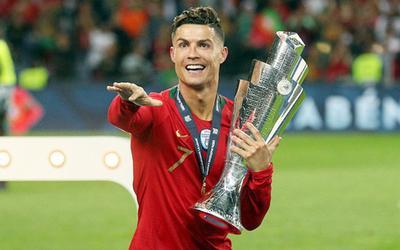 Đừng chê trách Ronaldo, sân khấu EURO sẽ rất nhớ anh!