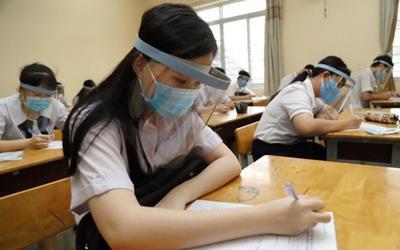 TP.HCM khuyến khích học sinh mang mũ, kính chắn giọt bắn khi đi thi tốt nghiệp THPT